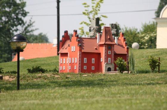 Zamek Berchtold i dziecięcy raj