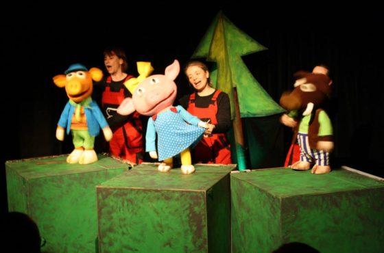 """Teatr Bajka """"Trzy Świnki"""" (2014)"""